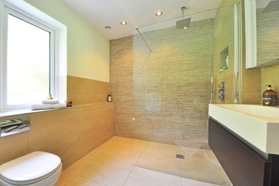 da vasca a doccia, esempio di bagno